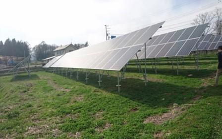 检查的是山梨县的40kw低压配电线并网光伏电站.