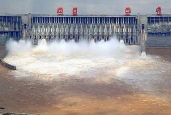 三峡大坝也是一个巨大的累赘?