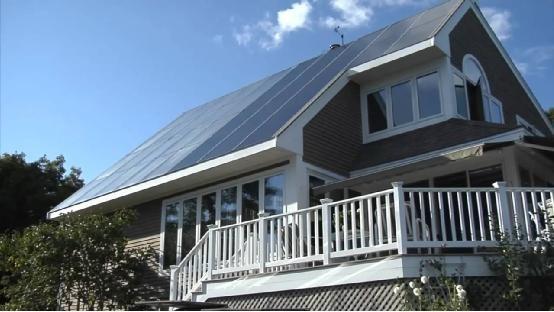 家庭屋顶的并网申请需要业主本人的身份证及房产证,就是说这个房屋的图片