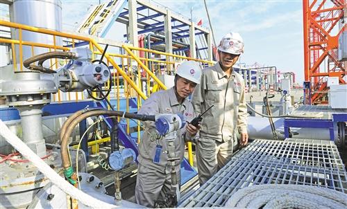 我国石油系统内炼厂首次进口美国原油